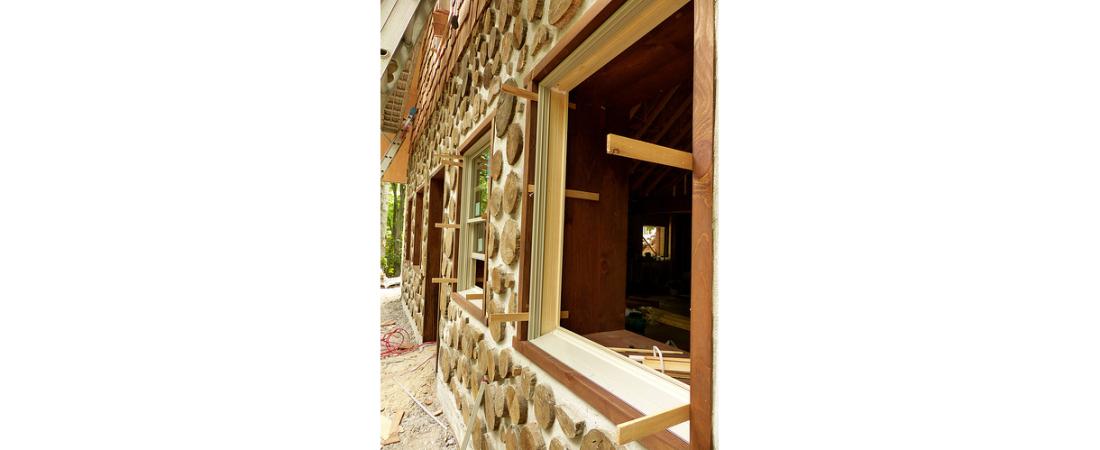 michigan-residential-architect_custom-home_konopka-cabin_exterior-Window-View-1100x450.jpg