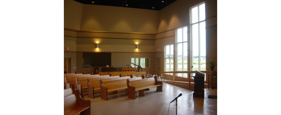 wisconsin-architect-church_roberts-congregational-ucc_sanctuary-Rear-Side-View-1100x450.jpg
